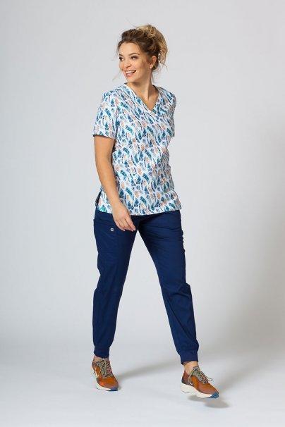 bluzy-we-wzory Kolorowa bluza medyczna damska Sunrise Uniforms kolorowe piórka